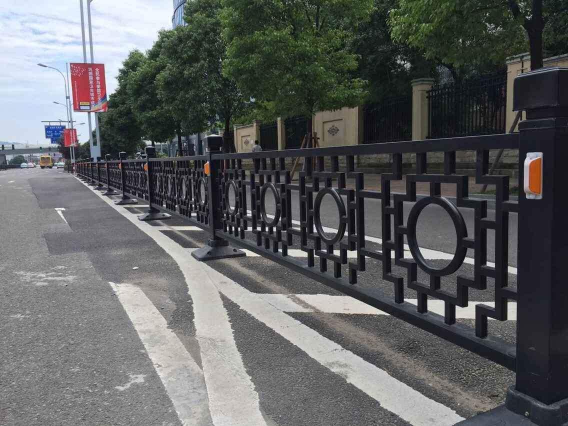 道路护栏定制厂家